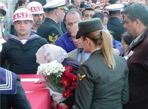 Yüzbaşı Halil Özdemir Tarsus'ta Toprağa Verildi