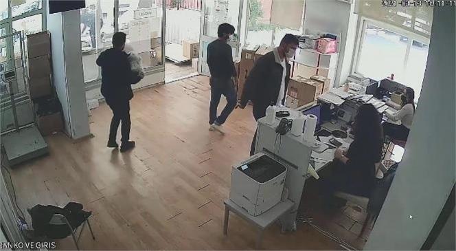 Mersin'de Kargoyla Gelen Araç Şanzımanı İçerisinde Gizlenmiş Uyuşturucu Yakalandı: 3 Kişi Tutuklandı