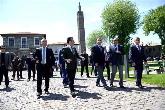 Emniyet Genel Müdürü Celalettin Lekesiz Diyarbakır'da