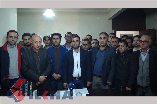 AK Parti ilçe teşkilatında toplu istifa