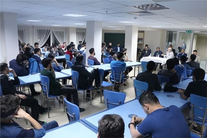 Tarsus Müftüsü Hayri Erenay KYK Öğrencileri İle Bir Araya Geldi
