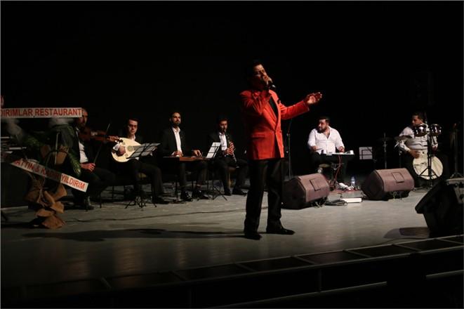 Yılmaz Taşoğlu Solo Konseri Büyük İlgi Gördü