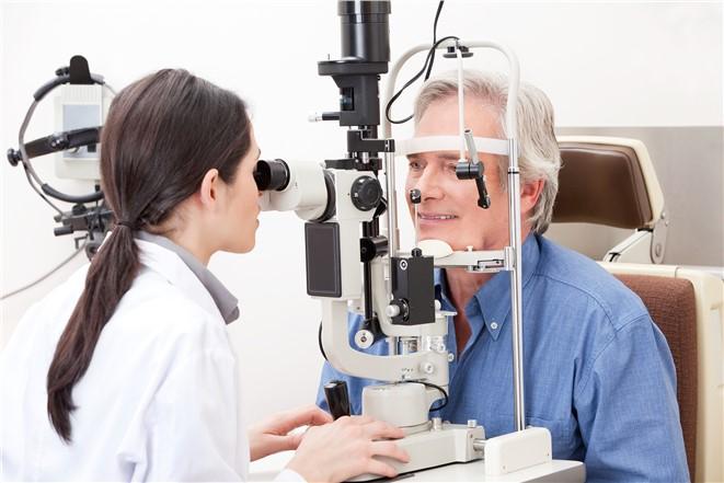 Gözlük ve Lenslere Trifokal Merceklerle Veda Edin