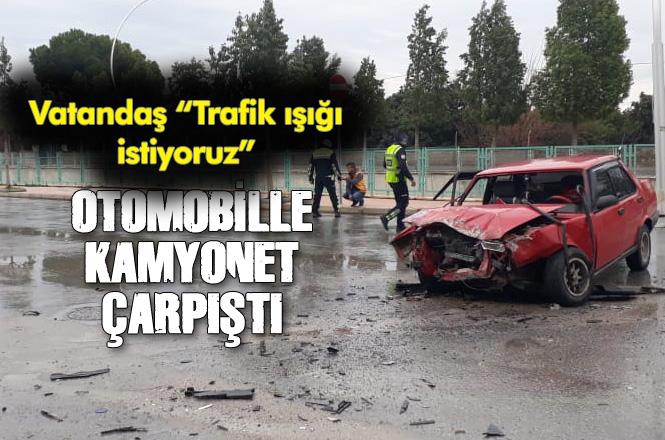 Mersin Tarsus'ta Kaza; Vatandaş Haftada Bir Kazanın Olduğu Yere Trafik Işığı İstiyor
