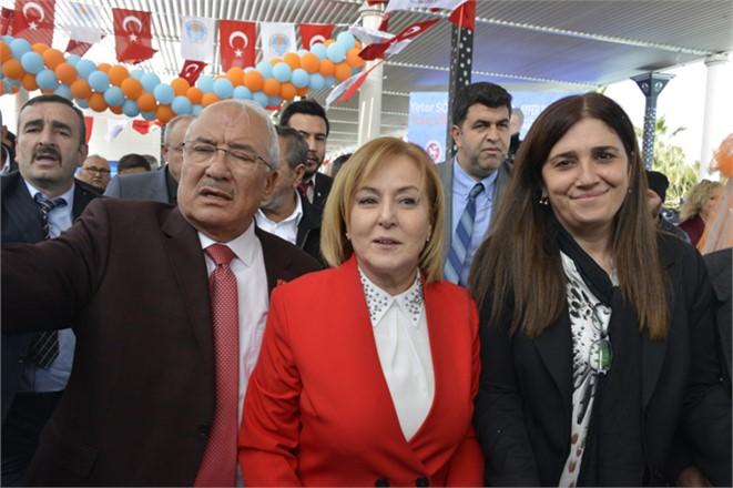 Meral Akşener, Esin Erkoç ve Ayfer Yılmaz Mersinde Bir Araya Geldi