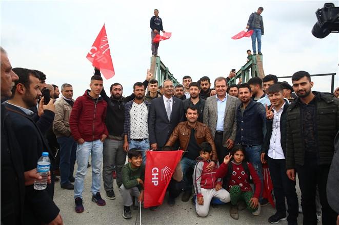 Vahap Seçer'e Tarsus'ta Coşkulu Karşılama