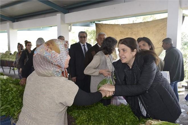 """Tarsus'ta Esin Erkoç Coşkusu,""""O Konuştukça, Vatandaşın Umudu Artıyor""""."""