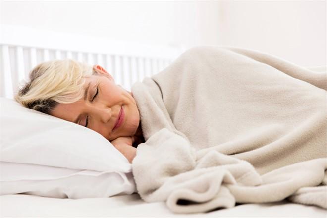 Az Ya da Çok Uyuyorsanız Dikkat! Sağlıksız Uyku, Ömürden 6-10 Yıl Çalıyor