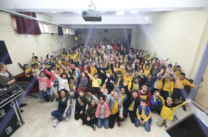 """Enerjisa Dağıtım Şirketleri İle 6.100 Öğrenci """"dünyanın Enerjisini Ben Koruyorum!"""" Dedi"""
