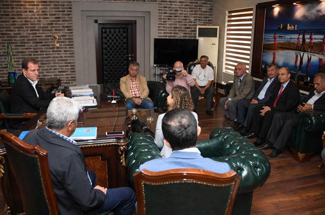 KESK MYK Üyeleri ile Tüm Bel-Sen temsilcileri Mersin Büyükşehir Belediye Başkanı Vahap Seçer'i Ziyaret Etti