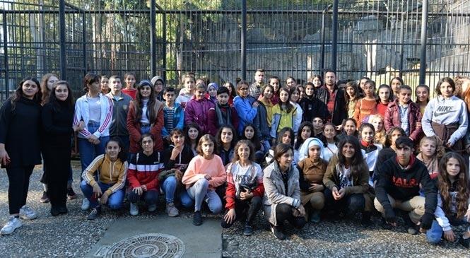 Mersin'de 60 Öğrenci İlk Kez Tarsus Hayvan Parkı'nı Gezdi