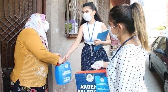 """Akdeniz'de İhtiyaç Sahibi Ailelere """"Hijyen Paketi"""" Ulaştırılıyor"""