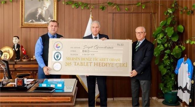 Mersin Deniz Ticaret Odası'ndan Öğrencilere Tablet Desteği