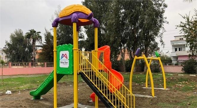 Büyükşehir'den Tarsus ve Çamlıyayla'da 13 Farklı Noktaya Çocuk Oyun Parkı