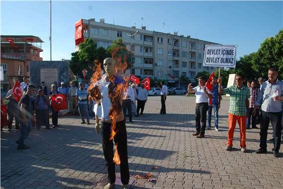Tarsus'ta Gülen'in maketi ateşe verildi