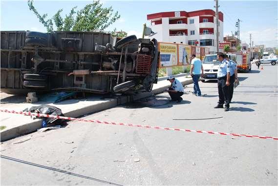 Tarsus'ta Feci Kaza 2 Ölü