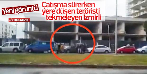 İzmir Saldırısında Vurulan Teröristi İzmirli Tekmeledi